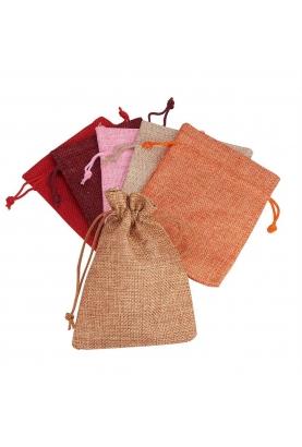 Un sac en jute pour emballer vos cadeaux